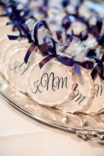 Monogram-wedding-cookies