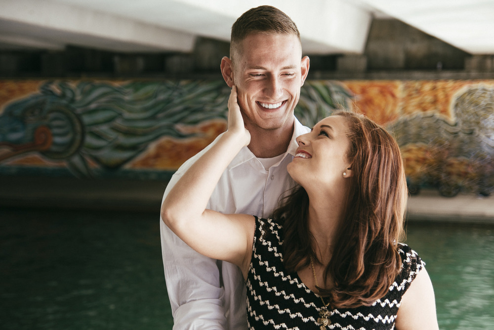Indianapolis engagement couple bridge