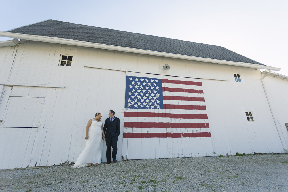 bride groom american barn