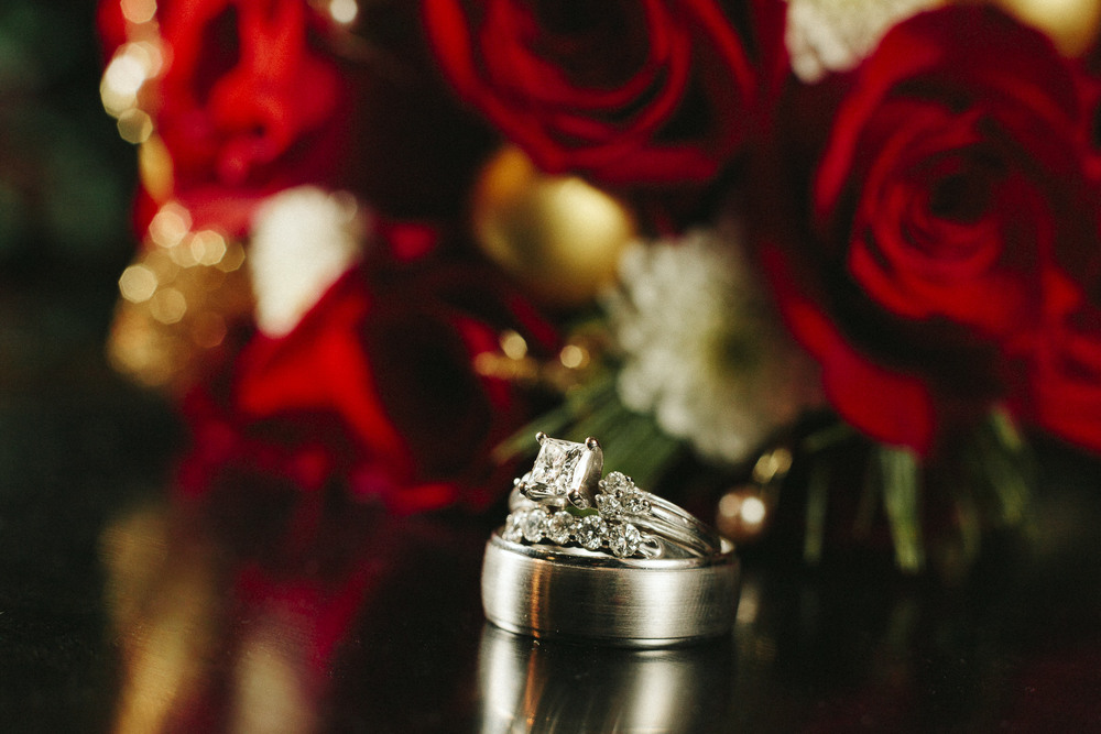 christmas wedding rings roses
