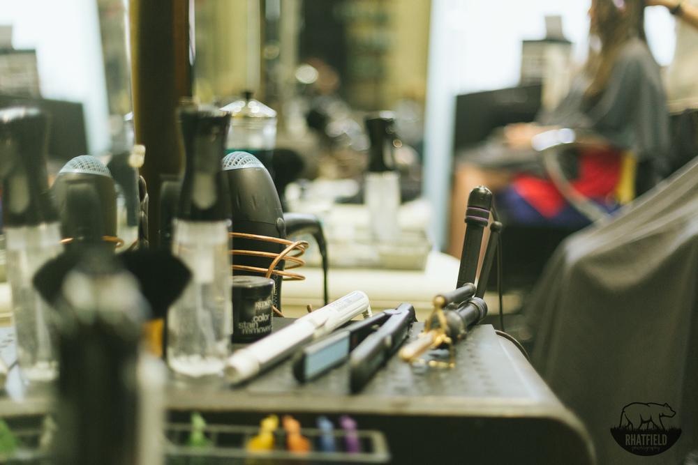 hair-straightener-salon