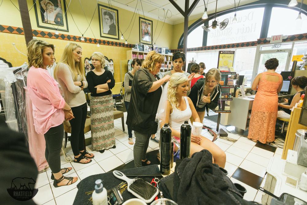 bridesmaids-watch-veil-salon