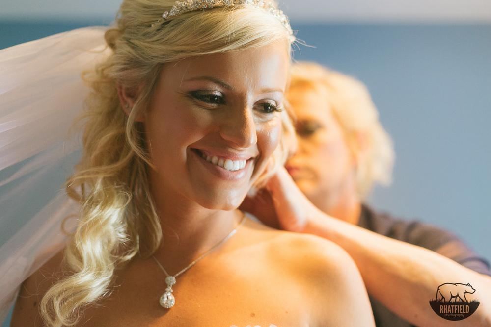 mom-bride-necklace-love