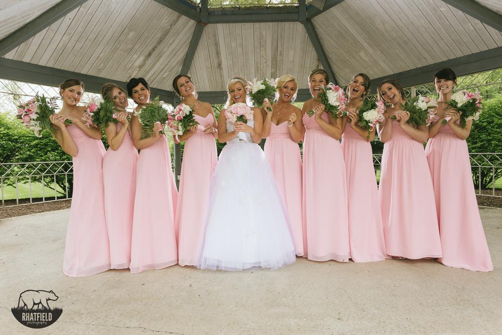 bridesmaids-pink-dress-flowers