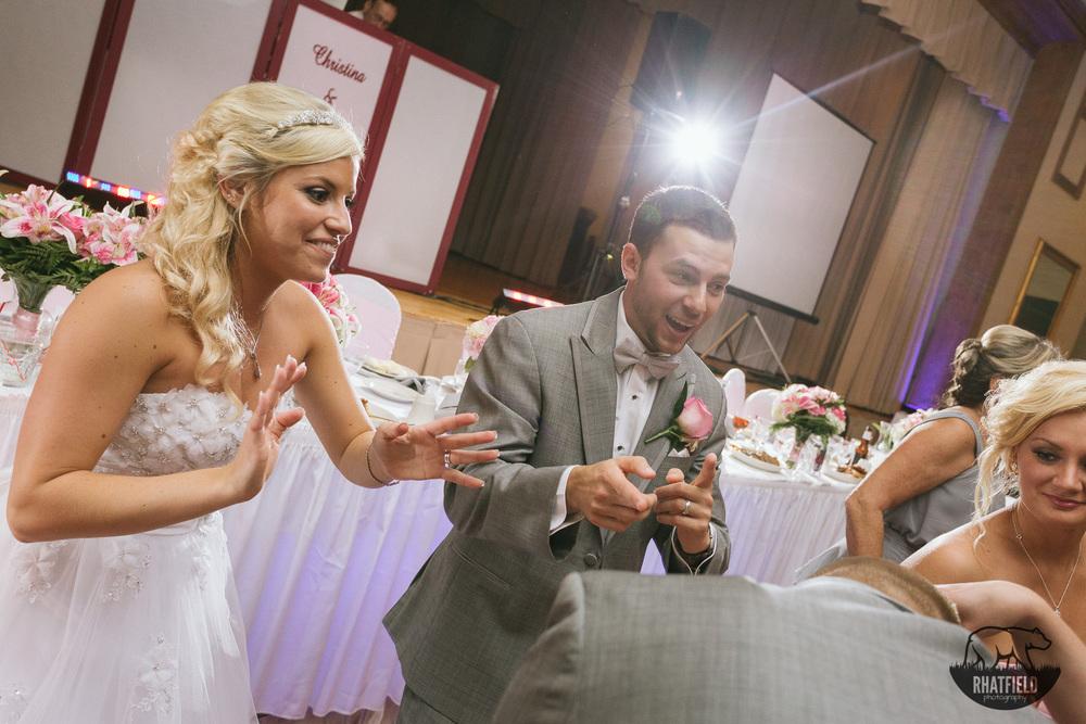 bride-groom-group-dance