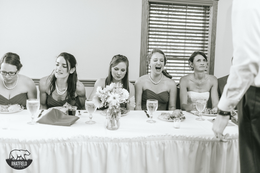 bridesmaid-laughing-dinner