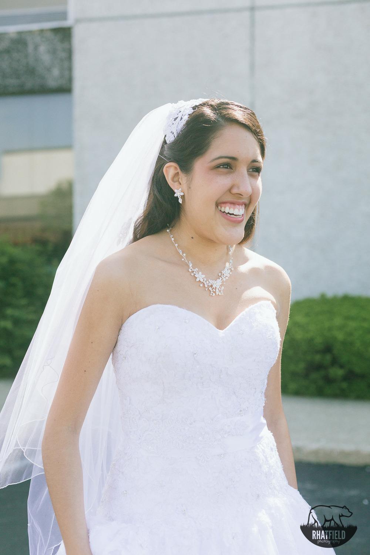 Bridal-portrait-outdoors