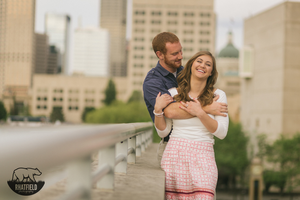 couple-laughing-indianapols-downtown