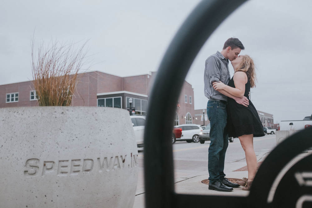 Speedway-indiana-couple-kiss
