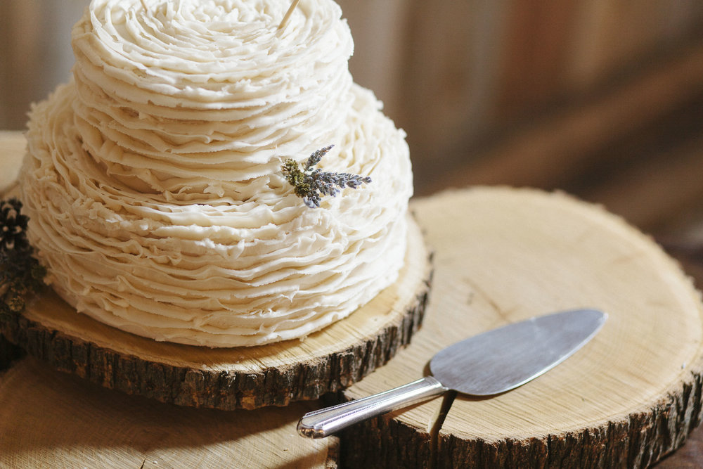 beautiful ruffled white wedding cake