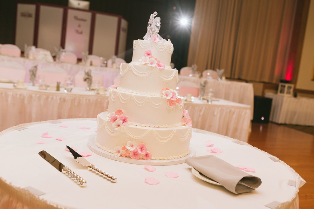 elegant pink crystal 4 teir wedding cake
