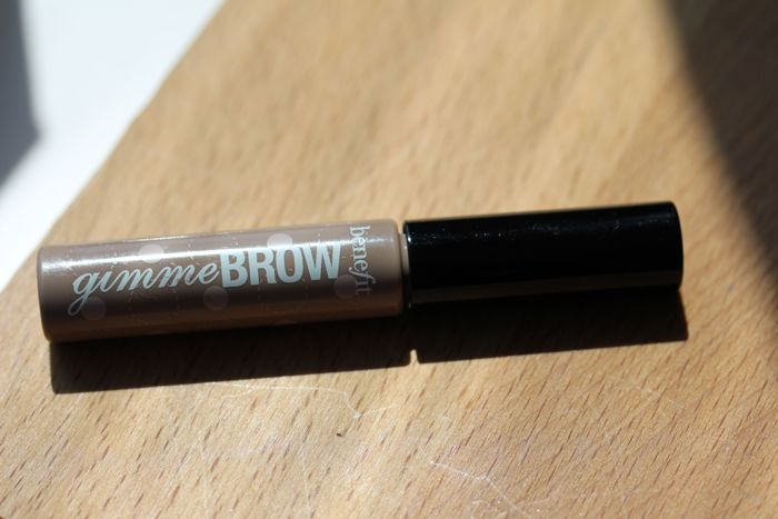 Benefit's Gimme Brow in light/medium