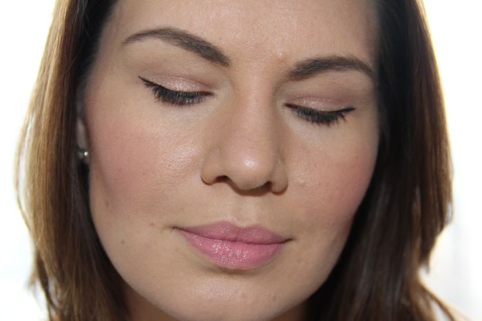 After: Brows filled in with Hourglass' Arch Brow Sculpting Pencil in Soft Brunette