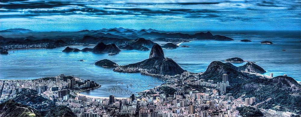 RIO DE JANEIRO . FOTO DESDE EL MIRADOR DEL CORCOVADO. RIÓ SE CONVIRTIÓ EN PATRIMONIO MUNDIAL DE LA HUMANIDAD EN 2012 POR SUS PAISAJES CARIOCAS ENTRE MAR Y MONTAÑAS.