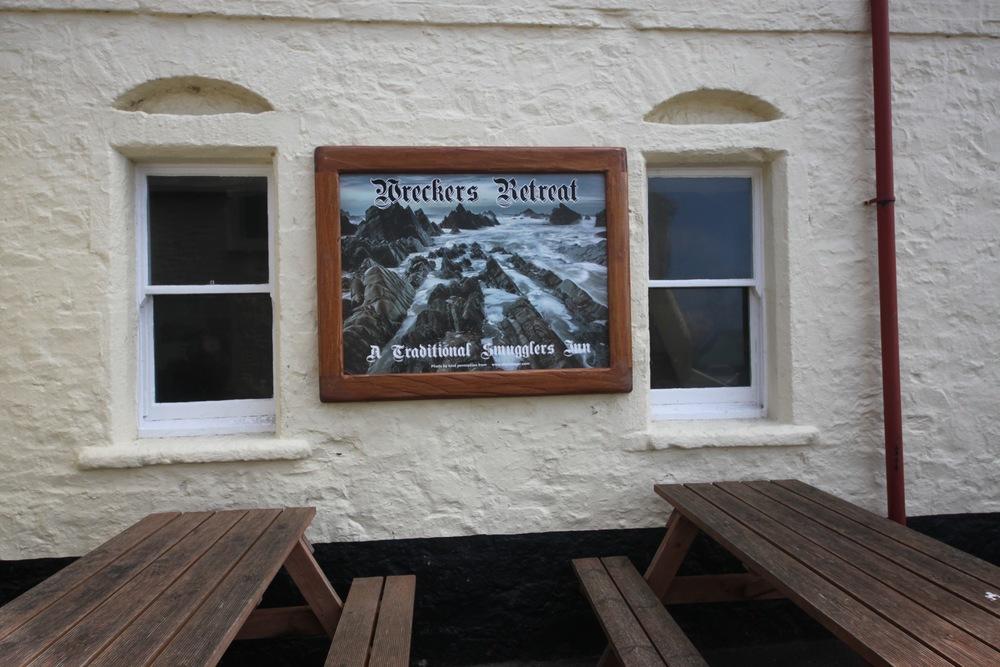 wreckers' retreat bar