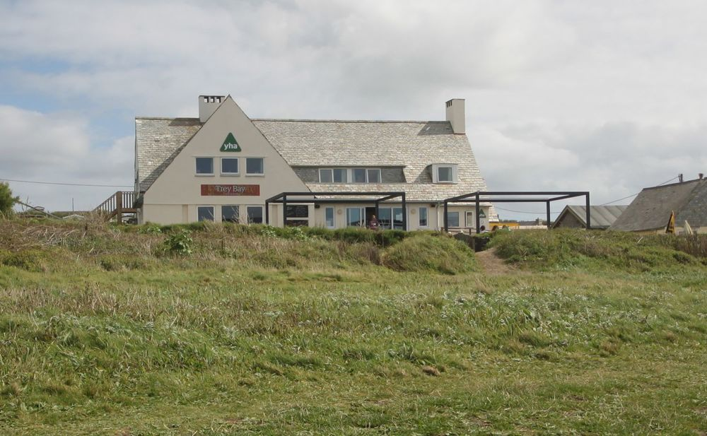treyarnon bay youth hostel