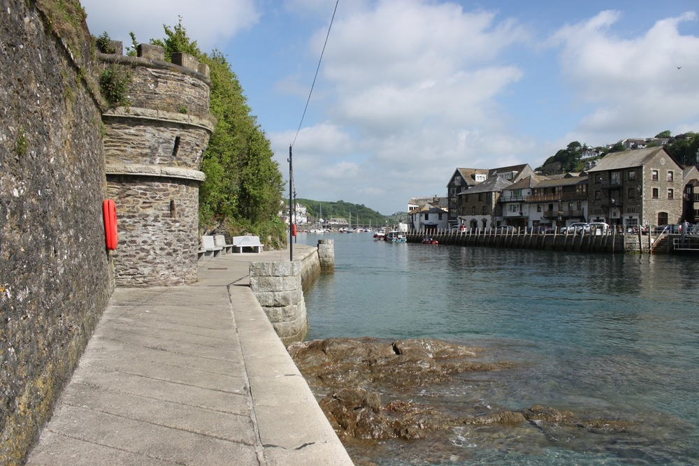 looe harbourside 4.jpg