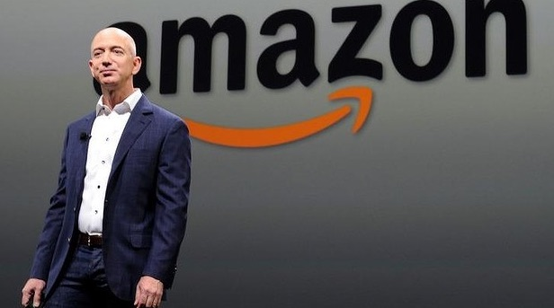 Jeff Bezos, founder of Amazon, makes tough calls in life by using an 'no regrets'approach to big decisions.   Results speak for themselves -a net worth of   $59.1 billion USD, and revolutionising the way the world shops.