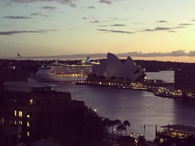 Must be beautiful coming into #Sydney on one of these cruise ships! #gymtime