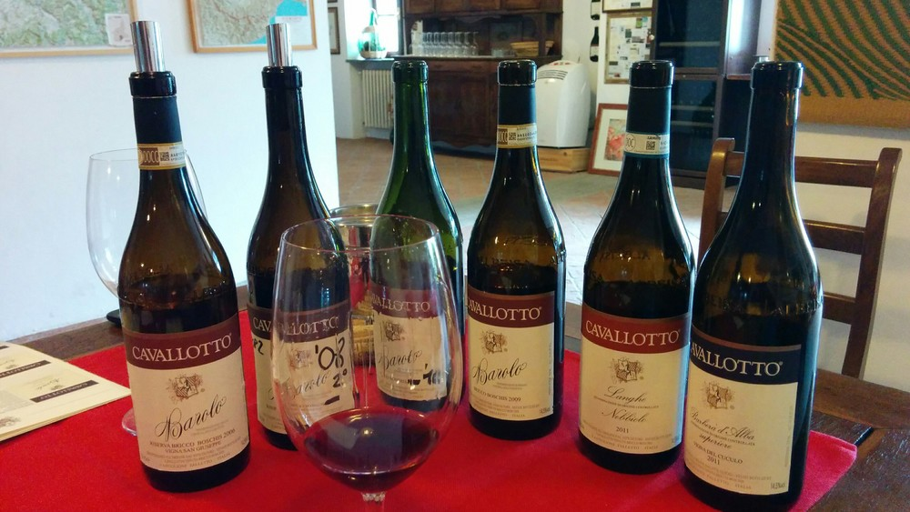 Castiglione Falletto (CN): the greatest vineyard in Barolo, Cavllotto. Here you will have the best (free) wine tour of your life.