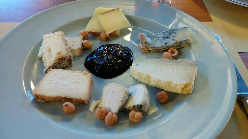 Alba (CN): amazing cheeses at La Piola, a great trattoria below the 3-michelin star Piazza Duomo