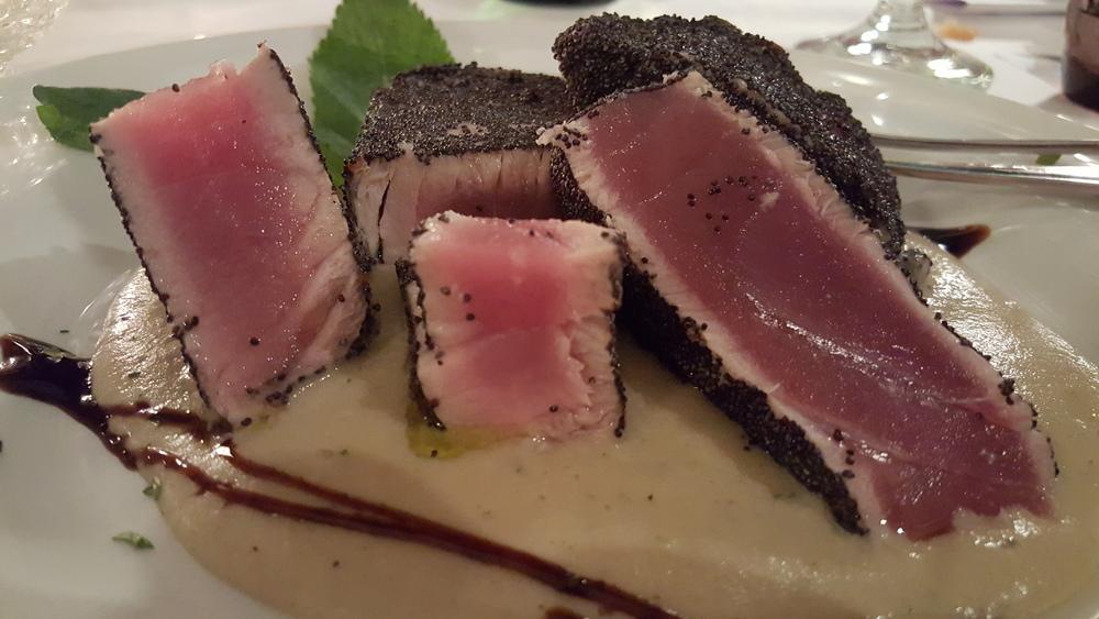 Seared tuna with poppy seed crust