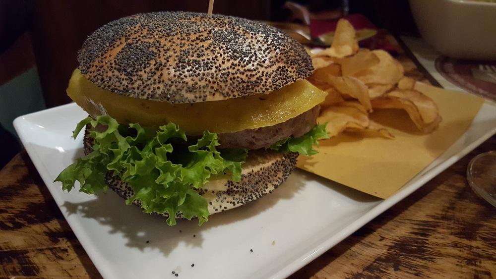 Tuscan burger con pecorino