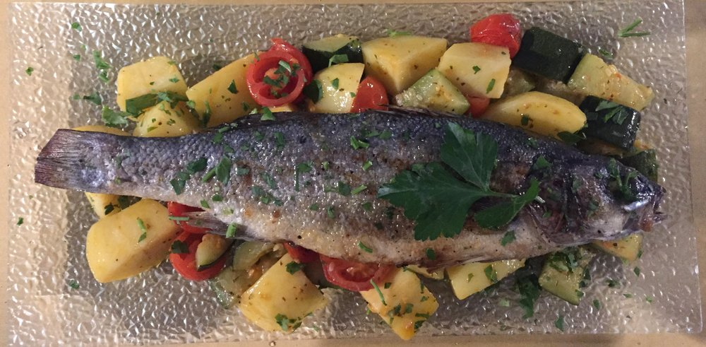 Grilled fish with potatoes