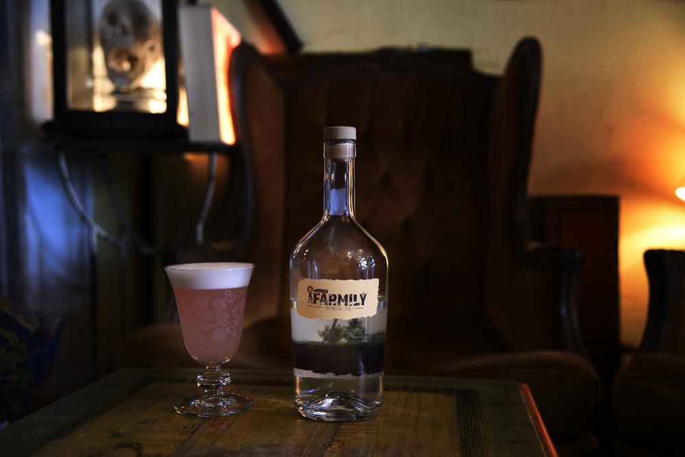 Pink Lady cocktail con Farmily,MAG cafè