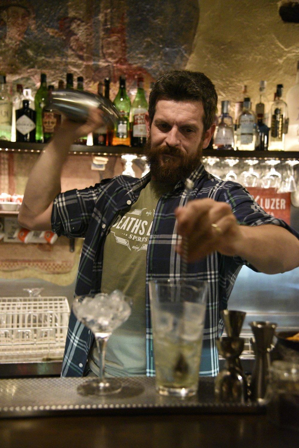 Pier prepares some Death's Door gin-based cocktails