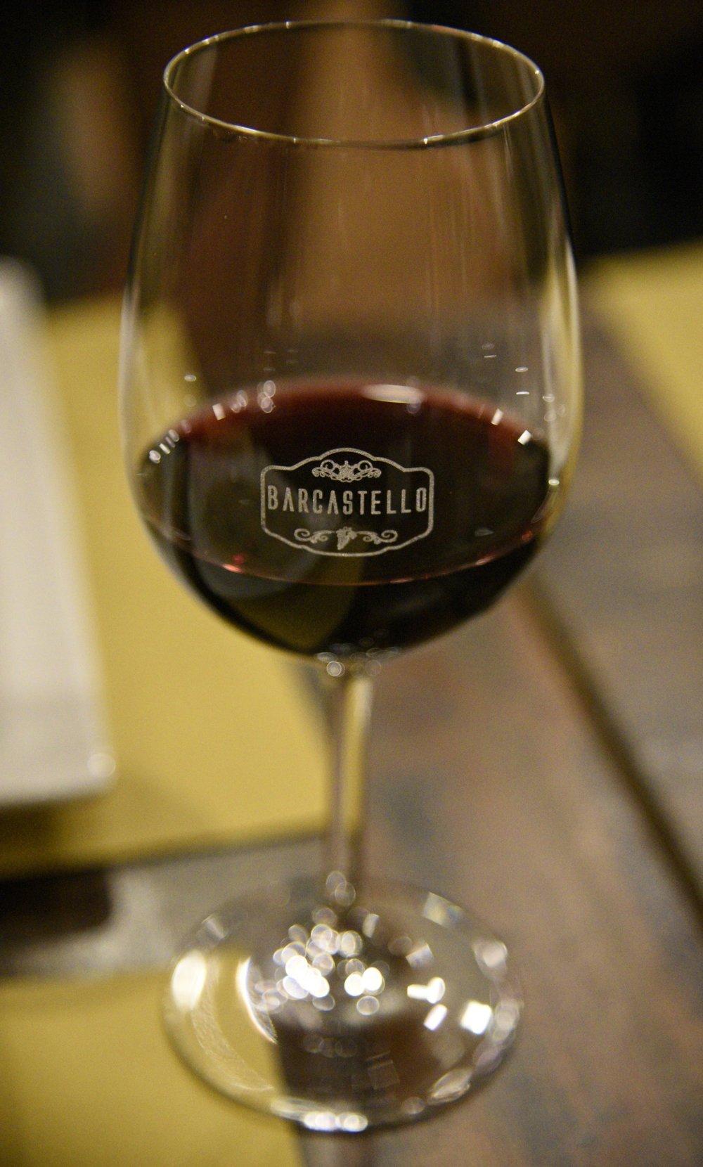 C'è anche del ottimo vino al BarCastello!