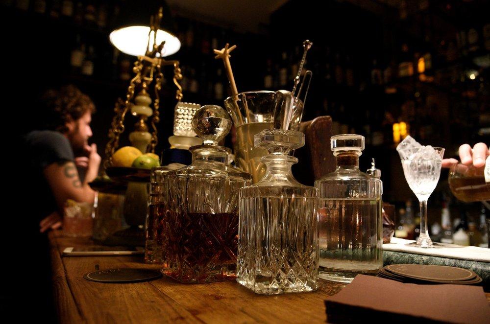 The bar counter at 1930 (Photo Toney)