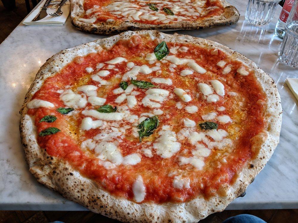 The huge Margherita at  Da Michele