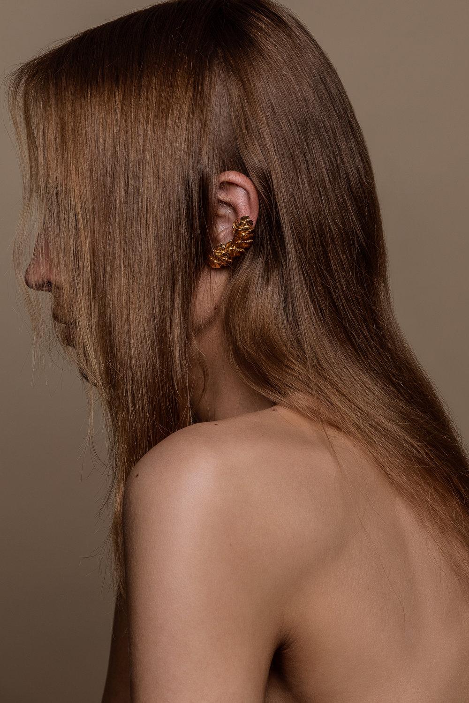 Ear cuff , CAROLINA CURADO