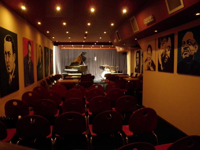 Clubroom10.JPG