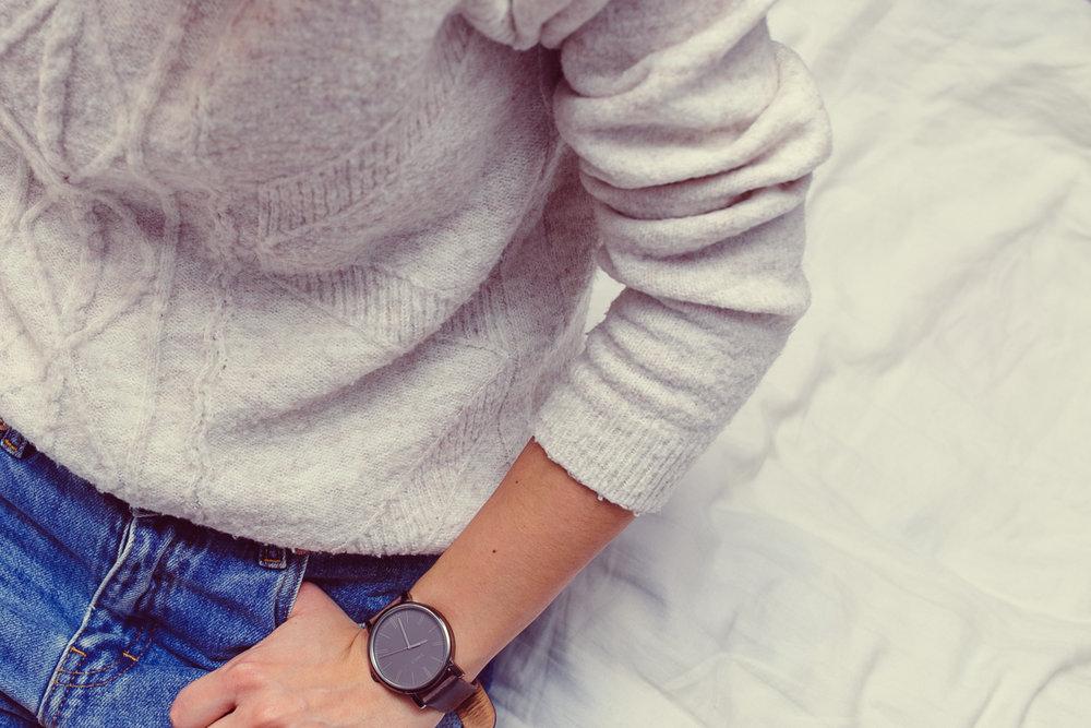 woman-detail-bed-jeans-40065.jpeg