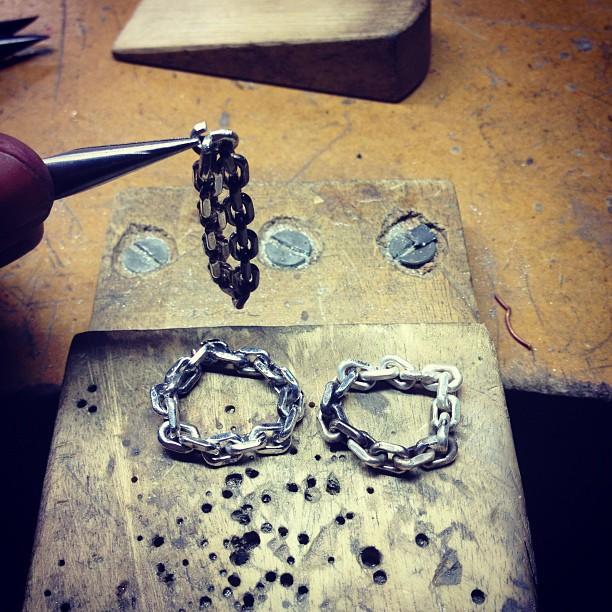 diaboli-kill-jewelry-in-the-studio-catena-rings.jpg