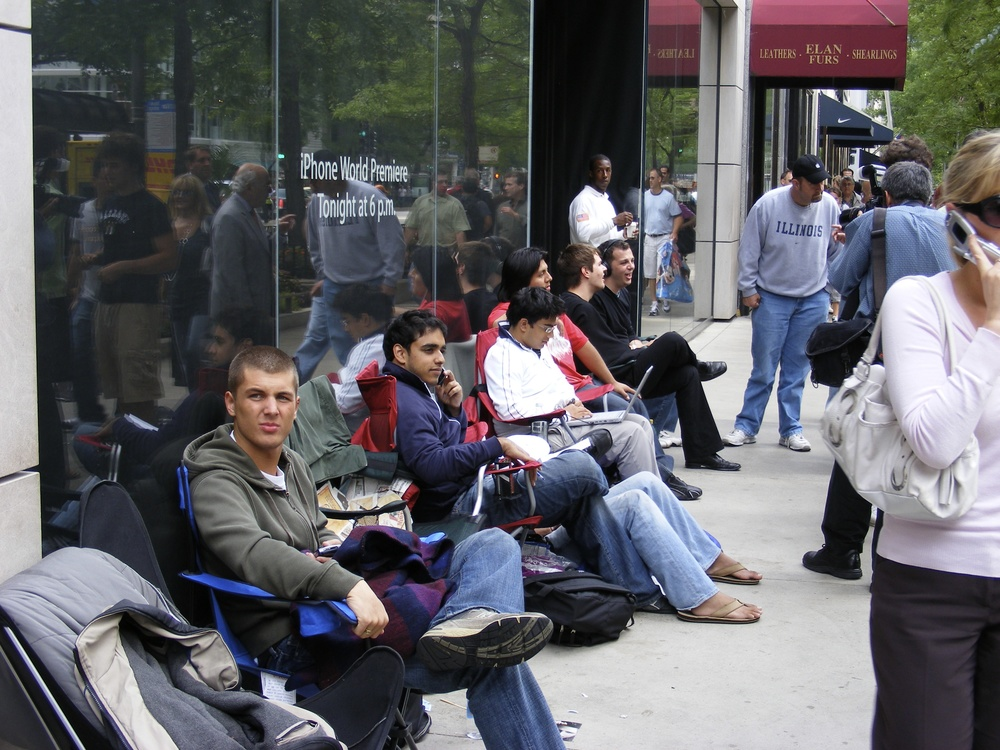 iphone launch-onnetworks.com - 7.jpg