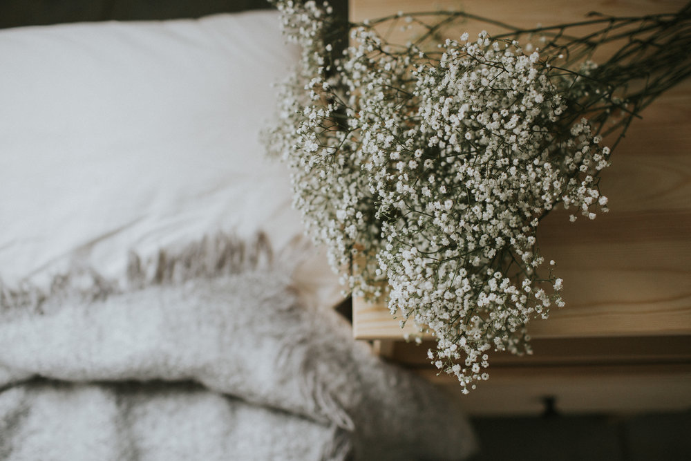 babys breath. How to hygge in the springtime. Photographer & writer Eva-Maria Smith writes a personal lifestyle blog about hygge, motherhood, slow living and sustainability. www.houseofsmilla.com/blog