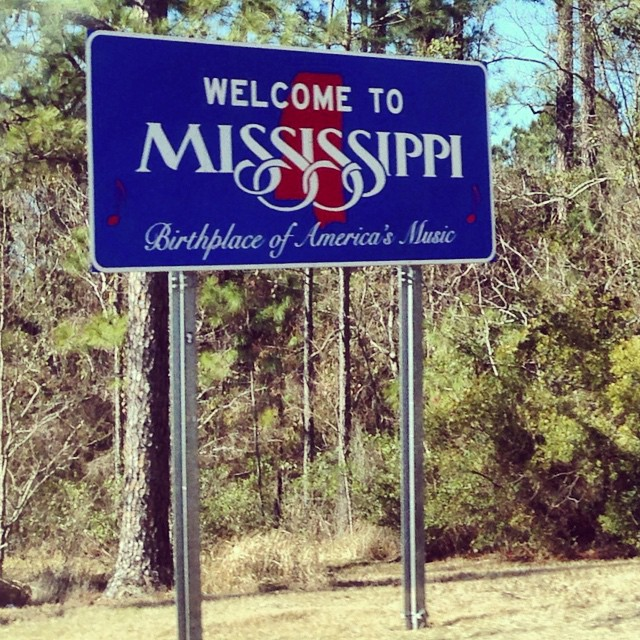 Just passing though 👋 #2015roadtrip #Mississippi what a name! (at Mississippi/Alabama Border)