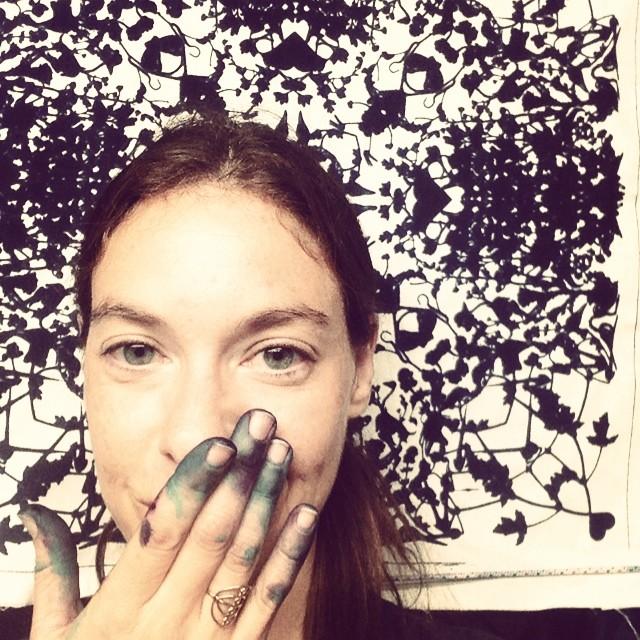 #Studioselfie #textiledesign #planetariumdesignstudio #bandanna #screenprinting with textile dyes kinda night 🌙