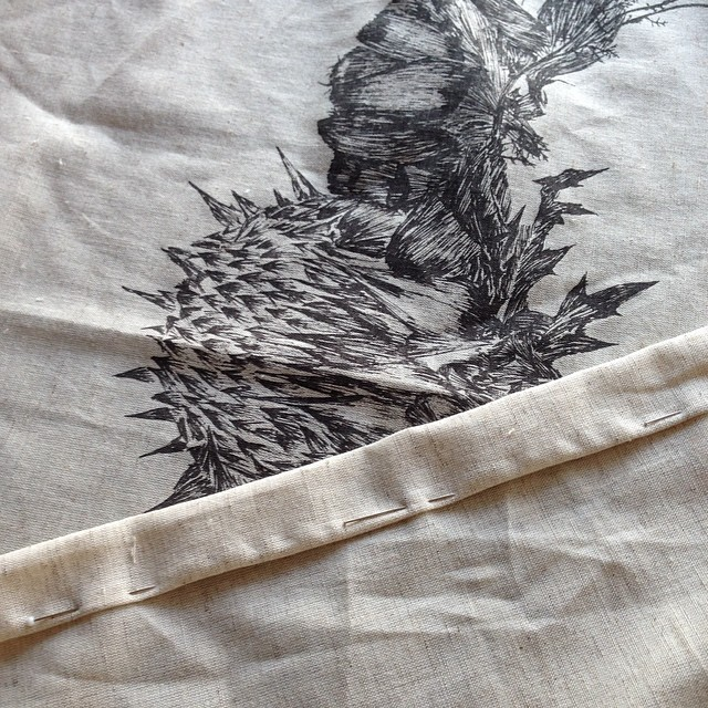 Sewing curtains for the #Aliner with the #wildthornes crown #pattern #screenprint #planetariumdesign #textiledesign
