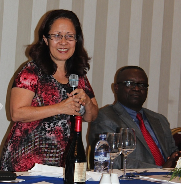 Laprésidente du g7+ S.E. Emilia Pires parle lors du lancement.