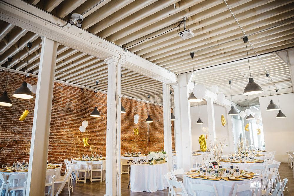 The_Unique_Space_Indoor_Wedding