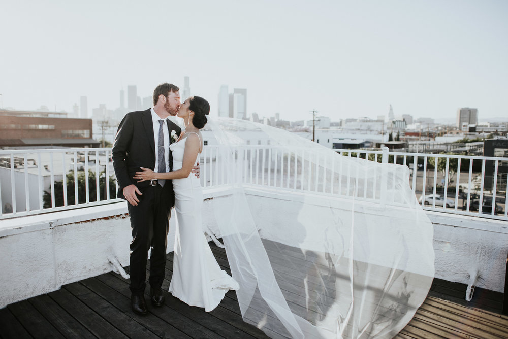 The_Unique_Space_thelittlealli_rooftop_wedding