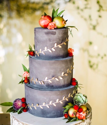 Featured on @brides; Cake by @frostitcakery; Photo by @betsiewing; Found through @soireecenter