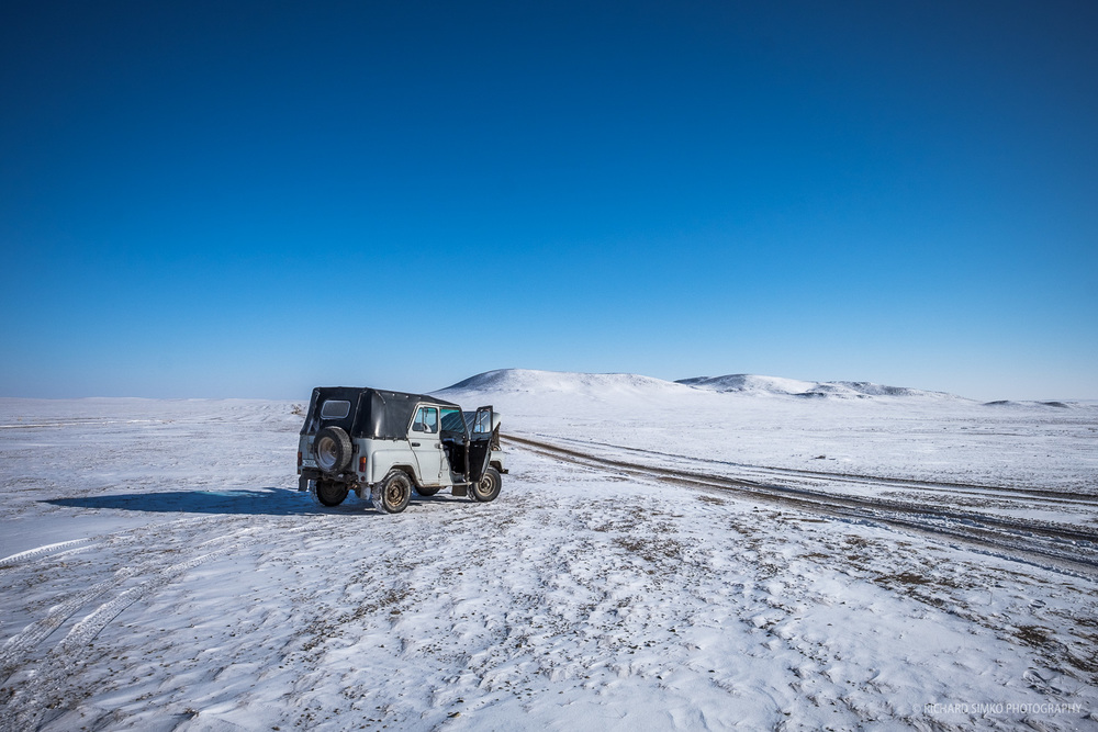 This old Russian 4WD UAZ was our vehicle of choice on the way from Mandalgovi to the endless steps of Mongolia