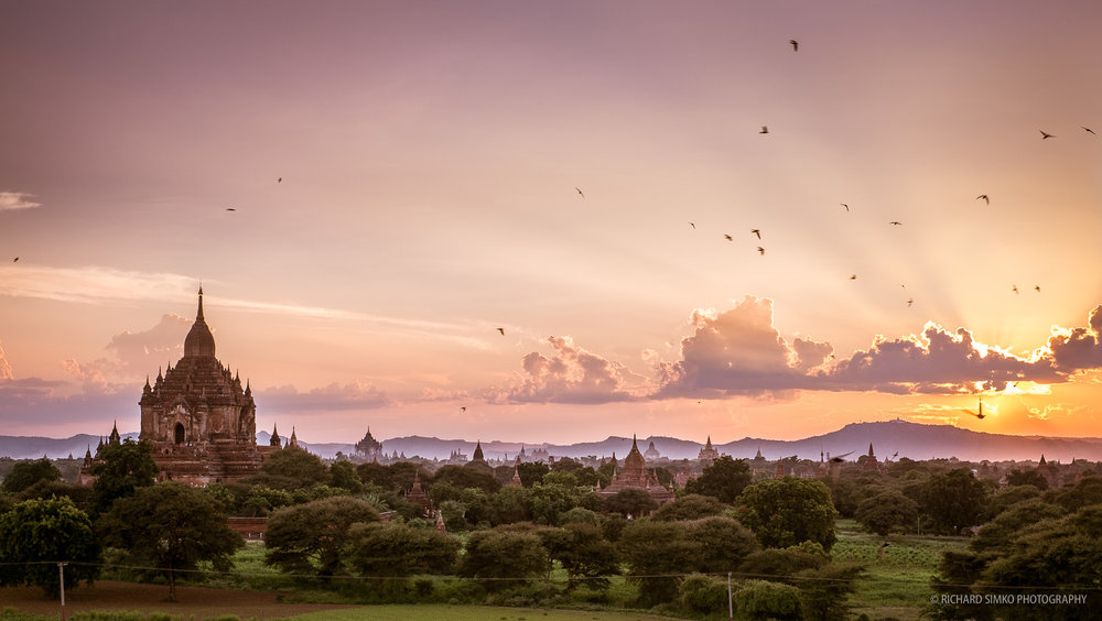 Sunset in Bagan, Fujifilm X-E1, XF 35mm f/1.4 R