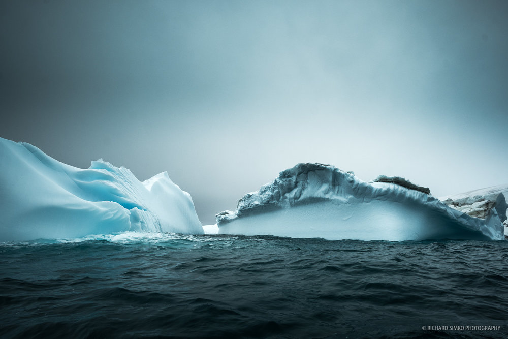 Icebergs loog much better in gloomy and cloudy weather.