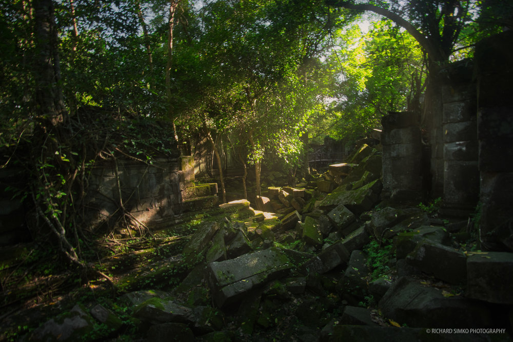 Beng Mealea is largely unrestored with thick vegetation growing all over the walls and in courtyards.